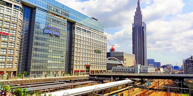 新宿駅の様子
